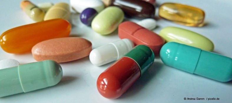 Tabletten_Andrea-Damm_pixelio.de_
