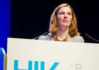Alice Raymond, Imperial College London, speaking at HIV Glasgow. Image courtesy of HIV Drug Therapy Glasgow 2014 (hivglasgow.org)